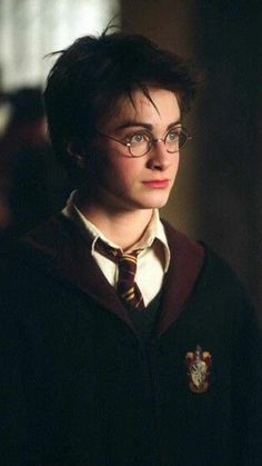Harry Potter and the Prisoner of Azkaban . and the best look of Daniel Radcliffe as Harry Harry Potter Tumblr, Harry James Potter, Images Harry Potter, Mundo Harry Potter, Harry Potter Universal, Harry Potter Fandom, Harry Potter Characters, Harry Potter World, Harry Potter Costumes