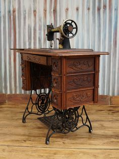 Antique Vintage Singer Treadle Sewing Machine Cabinet Table No. 5 with Egyptian Sphinx / Memphis Machine