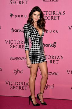 Isabeli Fontana Photos - Model Isabeli Fontana attends the after party for the annual Victoria's Secret fashion show at Earls Court on December 2014 in London, England. - Arrivals at the Victoria's Secret Fashion Show Afterparty Isabeli Fontana, Christian Dior, Christian Louboutin Shoes, Louboutin Pumps, Jessica Chastain, Zuhair Murad, Blake Lively, Elie Saab, Modelos Victoria Secrets