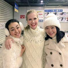 With Kaitlyn Weaver(Canada) and Akiko Suzuki(JAPAN) :  XOI2014