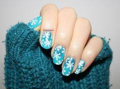 Fictionail, My glitter snowflakes nail art! Nail Art Noel, Snowflake Nail Art, Snowflakes, New Nail Colors, Winter Nails, Christmas Nails, Nail Designs, Glitter, Beautiful