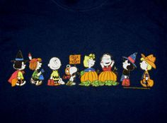 the Peanuts Gang! all ready for Halloween! Snoopy Halloween, Charlie Brown Halloween, Great Pumpkin Charlie Brown, Halloween Art, Holidays Halloween, Vintage Halloween, Happy Halloween, Halloween Prints, Peanuts Gang