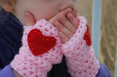 Little Girl Crochet Handwarmers Pattern for Valentine's Day | A Crafty House: Knitting and Crochet Patterns and Crafts