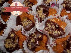 Μπισκοτάκια κανέλας με μαύρη σοκολάτα και καρύδια – ΓΛΥΚΕΣ ΔΙΑΔΡΟΜΕΣ Muffin, Cookies, Breakfast, Food, Crack Crackers, Morning Coffee, Biscuits, Essen, Muffins