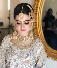 Fulfill a Wedding Tradition with Estate Bridal Jewelry Pakistani Bridal Jewelry, Pakistani Wedding Outfits, Bridal Outfits, Bridal Jewellery, Wedding Jewelry, Pakistani Dresses, Indian Outfits, Indian Jewelry, Asian Wedding Dress