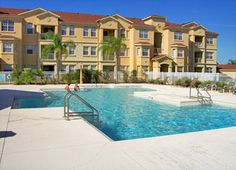 Terrace Ridge Resort Pool Area -- This vacation condo resort is just 10 minutes from Disney World! #orlando #disney #travel