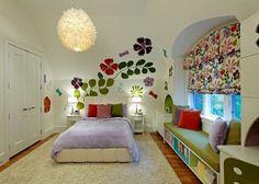 Dormitorios femeninos -  Biblioteca bajo tarima bow window