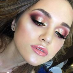 Girls love doing makeup and so do they love rose gold makeup ideas. So, here are some intoxicating makeup ideas for you. Makeup Is Life, Sexy Makeup, Prom Makeup, Makeup Goals, Love Makeup, Simple Makeup, Makeup Inspo, Bridal Makeup, Makeup Inspiration