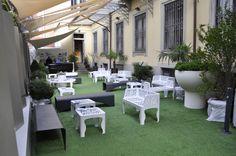 Benvenuti al Fuorisalone dell'Ordine degli Architetti di Milano, dal 16 al 22 Aprile 2012. Una bella visuale degli arredi per esterno di LAB 23 (foto di Stefano Suriano)