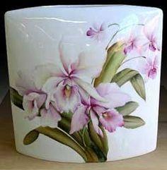 karin waldis - Google Search Dresden Porcelain, Porcelain Ceramics, China Porcelain, Painted Porcelain, Fruit Painting, China Painting, Rose Vase, Silk Art, Hand Painted Ceramics