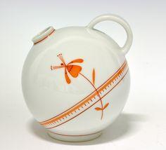Jug/vase by Nora Gulbrandsen for Porsgrund Porselen. Nordic Design, Spirals, Modern Classic, Circles, Norway, Vases, Tea Pots, Scandinavian, China