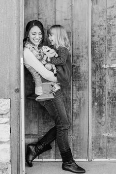 By Autumn Shoemaker - La Brisa Photography mother daughter photo shoot