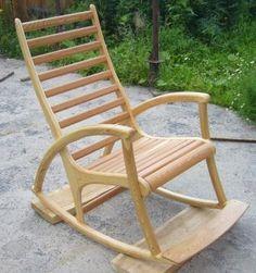 Кресло-качалка из лиственницы.