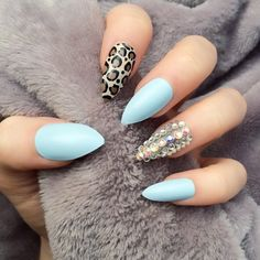 Mint Nail Art Design Coral Nail Art, Aztec Nail Art, Orange Nail Art, Aztec Nails, Nail Art Stripes, Gold Nail Art, Gold Nails, Stiletto Nails, Mint Green Nails