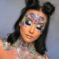 FESTIVAL GAME STRONG🦄⚡️🌈Who needs to try this look!? 🌸 @zoe.ellen.mua #pinkboutique #pinkboutiqueuk #festivalmakeup #festival Festival Makeup Glitter, Glitter Makeup, Amazing Halloween Makeup, Halloween Face Makeup, Festival Games, Festival Outfits, Alien Makeup, Carnival Makeup, Rave Makeup