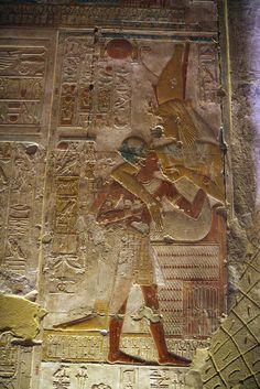 Templo de Sethi I en Abidos , segunda sala hipóstila , pared capillas. Abydos. | por Soloegipto