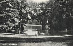 Gezicht in het Julianapark te Zuilen.  N.B. Het Julianapark is per 1 januari 1954 bij de gemeente Utrecht gevoegd. 1935-1940