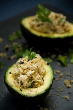 Avocado with Crab & Quinoa – Αβοκάντο με Καβούρι & Κινόα