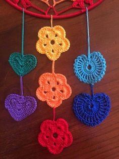 Scacciasogni or crochet cotton yarn dream catchers run of Rainbow colors on steel support. Crochet Home Decor, Crochet Art, Crochet Motif, Crochet Flowers, Crochet Stitches, Crochet With Cotton Yarn, Yarn Bombing, Afghan Crochet Patterns, Crochet Projects