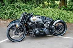 Strike Back with Sidecar | Custom Bikes from the Award Winning Shaw Speed & Custom