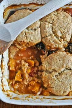Minestrone Pot Pie with Whole Wheat Parmesan Biscuits | howsweeteats.com