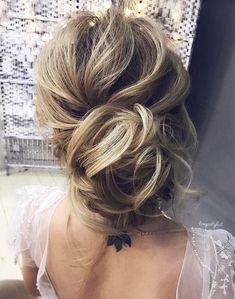 Featured Hairstyle: tonyastylist (Tonya Pushkareva); www.instagram.com/tonyastylist; Wedding hairstyle idea. #weddinghairstyles