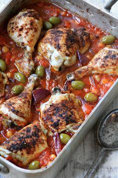 Kunne det smakt med deilig spansk kylling denne uken? Kokebokforfatter Ina-Janine Johnsen tipser om en oppskrift på enkel og smakfull rett i ARK-bloggen.