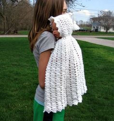 i love this baby cape crochet by SanmarnaStyle on Etsy