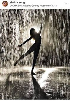 Trendy dancing in the rain silhouette beautiful 21 ideas The Effective Pictures We Offer Yo Silouette Photography, Rain Photography, Dancing In The Rain, Girl Dancing, Silhouette Fotografie, Rain Tattoo, I Love Rain, Rain Painting, Rain Days