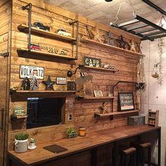 ぜひとりいれたい♡ディアウォールで作る憧れの板壁DIY Rustic Home Offices, Home Office Decor, Home Decor, Diy Interior, Interior Decorating, Bedroom Workspace, Vinyl Room, Home Remodeling Diy, Hobby Room