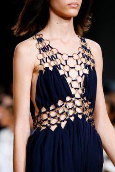 Chloe Spring/Summer 2015 Ready-To-Wear Fashion Week, Diy Fashion, Runway Fashion, Fashion Show, Womens Fashion, Fashion Trends, Paris Fashion, Chloe, Couture Details
