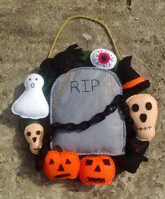 Halloween Wreath Felt Wreath Spooky Ghost Skull by DaisyFelts
