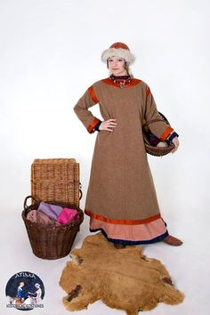 Medieval Rus - Woolen naviershnik with silk hems