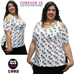 Plus Size Fashion For Women, Plus Fashion, Catwalk Design, Beautiful Dress Designs, Looks Plus Size, Funky Outfits, Girls Blouse, Altering Clothes, African Attire