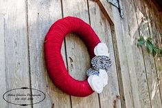 Alabama Red Yarn wreath with houndstooth and white felt flowers