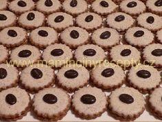 Mocca kolečka Christmas Cookies, Desserts, Food, Xmas Cookies, Tailgate Desserts, Deserts, Christmas Crack, Christmas Biscuits, Essen