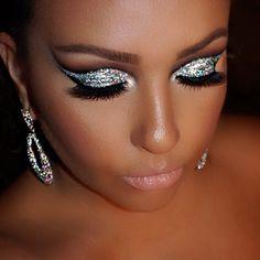 Cut crease glitter look