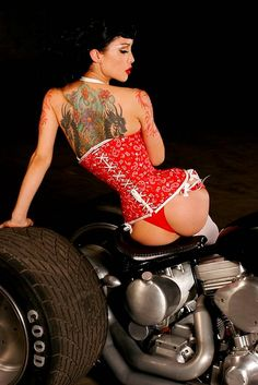 Photo Gallery: Pin-Up Girls