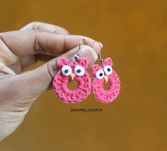 Diy Earrings Crochet, Crochet Jewelry Patterns, Crochet Accessories, Crochet Designs, Earrings Handmade, Crochet Cord, Crochet Buttons, Love Crochet, Crochet For Kids