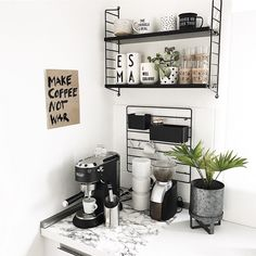 [New] The 10 Best Home Decor (with Pictures) - Schnee oder Sonne der April macht eh was er will. Coffee Bar Station, Home Coffee Stations, Coffee Desk, Coffee Bar Home, Coin Café, Minimal House Design, Kitchen Organisation, The Home Edit, Decorating Bookshelves