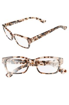 Squared-off frames offer smart-looking style to these traditional tortoiseshell reading glasses.