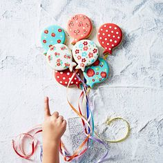 Adorable idea for a birthday! Use your balloon cookie cutter.