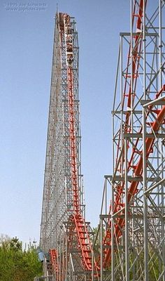 Magnum XL-200 - Cedar Point - One of the world's first over-200-feet rollercoasters.