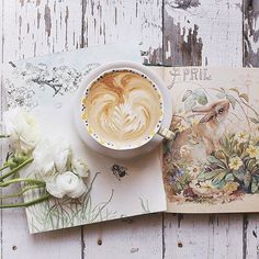April! How did you arrive so swiftly? My pours have been off after getting different beans... I may redo this at some point. But Happy April Fools Day! #rosiemonthlypour #simplyrosielovescoffee #ranunculus #anthropologie #homebarista #rocketespresso