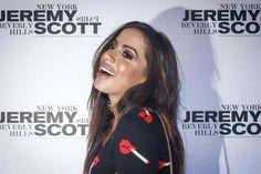 Anitta faz preenchimento labial e resultado vira meme na internet