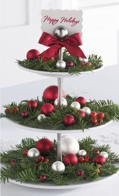 christmas centerpieces 100 DIY Christmas Centerpieces You'll Love To Decorate Your Home With For The Christmas Season - Hike n Dip Christmas Tea, Rustic Christmas, Christmas Holidays, Christmas Crafts, Christmas Ornaments, Christmas Christmas, Christmas Table Centerpieces, Xmas Decorations, Ideas Creativas