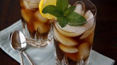 How to Make Southern Sweet Tea - Tablespoon.com