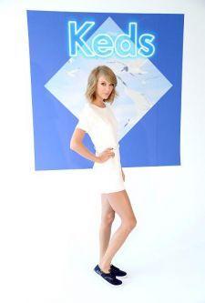 Confira a nova coleção de Taylor Swift para a Keds #Bad, #Brasil, #Cantora, #Novo, #Single, #Sucesso, #TaylorSwift http://popzone.tv/confira-a-nova-colecao-de-taylor-swift-para-a-keds/
