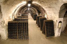 TÖRLEY champagne Cellars
