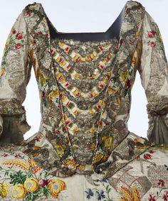 A Dress of Spitalfields Silk   Spitalfields Life 1752